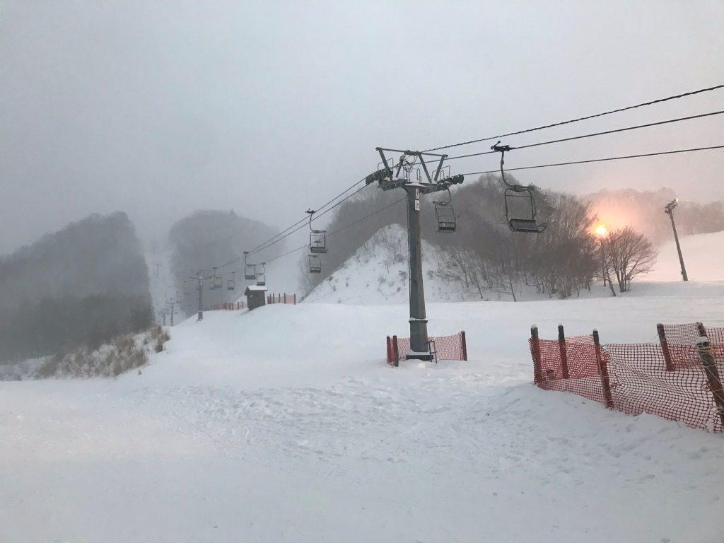 尾瀬戸倉スキー場パウダー