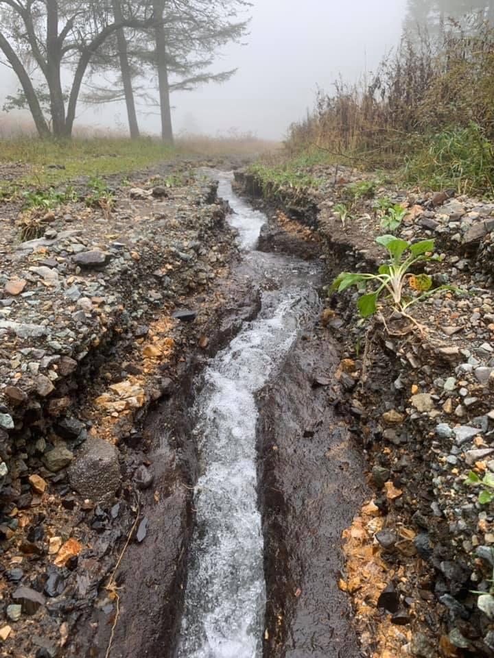 峰の原高原に川が出現