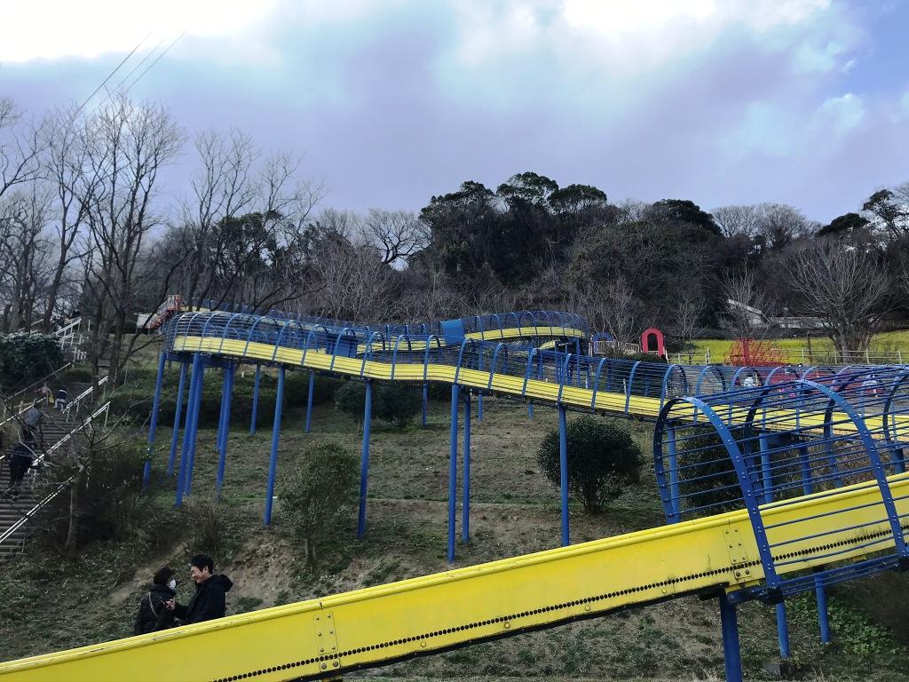 巨大ローラー滑り台金沢自然公園