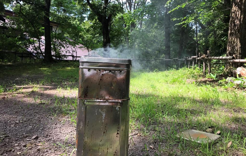 キャンプで燻製器