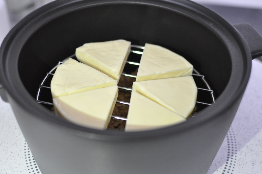 スモークポッドでチーズ燻製